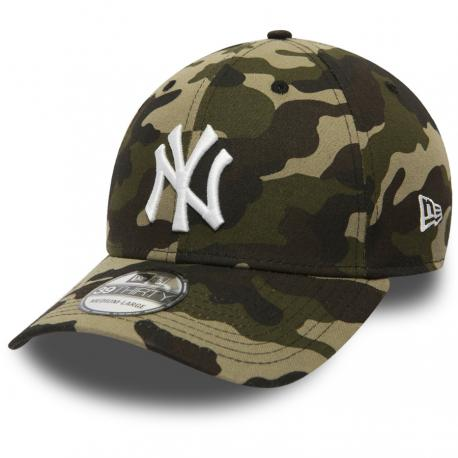 c19ac74dd36b Šiltovka NEW ERA 3930 MLB League Essential New York Yankees Camo ...
